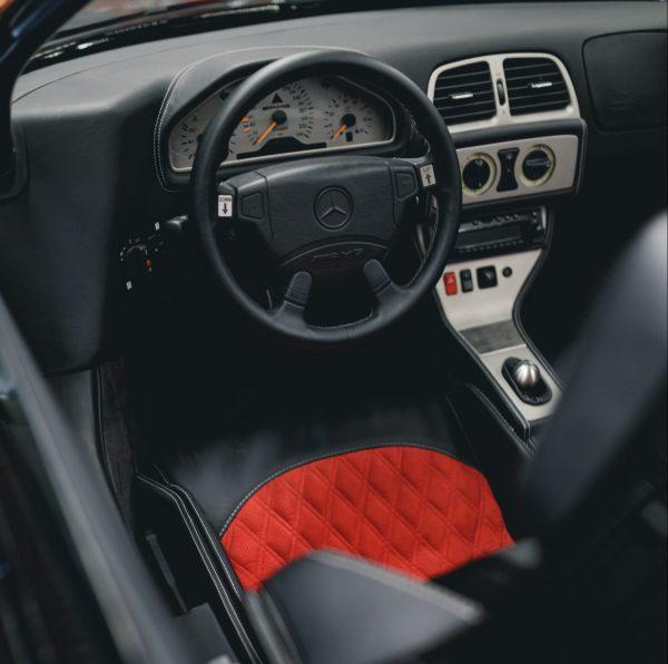 Mercedes CLK-GTR roadster interior